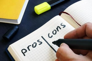 Pros and Cons of working with a medium-sized vs large logilogistics company