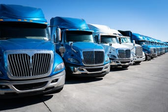 Freight Contract Rates vs Spot Rates - Comprehensive Guide