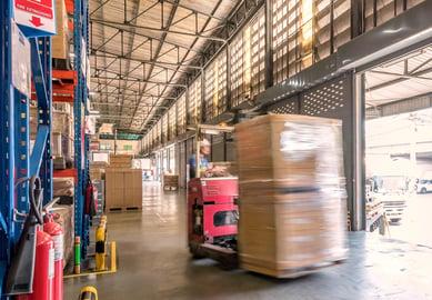 warehouse vs DC